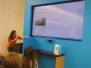 Kristina, Microsoft Store Employee, Demonstrates the Power of Microsoft OneNote.